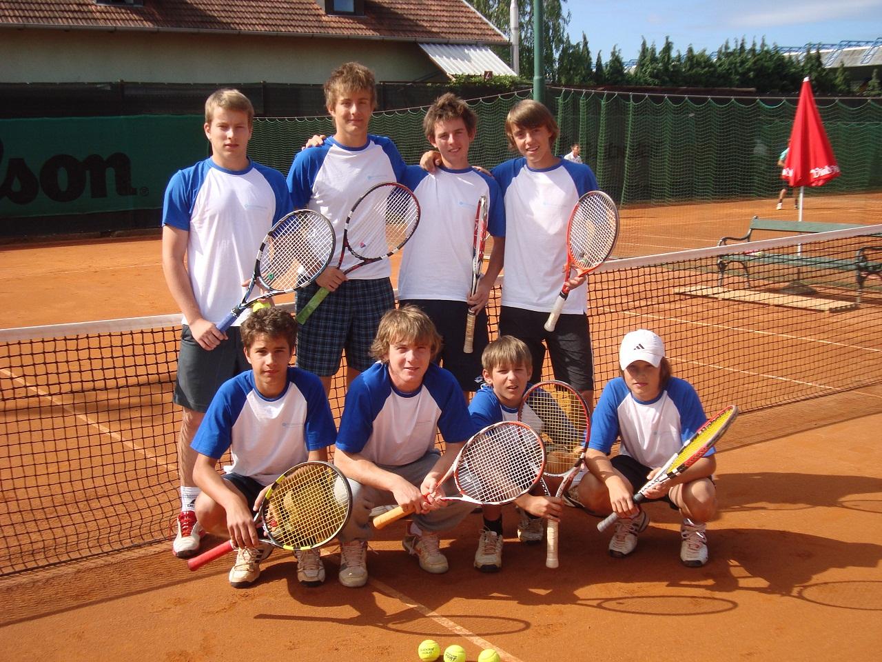 juniori do_18_-_2011